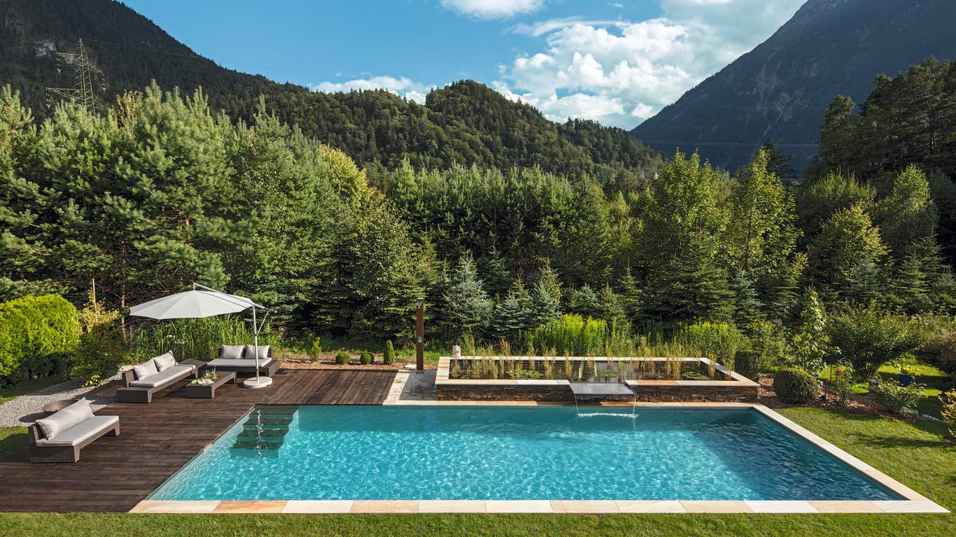 Biopiscina senza cloro, piscina naturale in cui nuotare. Chagall Giardini Biopiscine a Sestriere